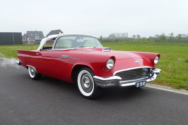 Ford-Thunderbird-front